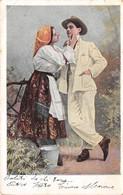 """9966""""DONNA IN COSTUME CHE ACCAREZZA IL SUO CARO""""  -CARTOLINA SPEDITA 1905 - Couples"""