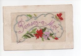 """Carte  Brodée  -  """"  Pensez  A  Moi    """" Fleurs  Roses  Et  Rouges - Sonstige"""