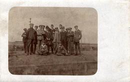 Carte Photo Originale Jeunes Hommes De Wittemberg Ville En Allemagne En 1921 & Légende Dos - Anciens Combattants - Anonyme Personen