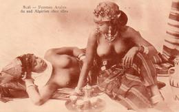 V10Ve  Algérie Femmes Arabes Du Sud Seins Nus Chez Elles - Mujeres