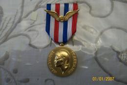 Médaille D'honneur Du Travail Personnel Civil De L'aviation - Autres