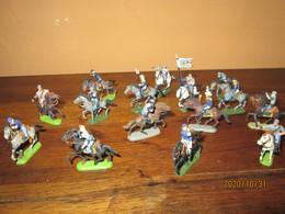 Lot Soldats Anciens Plastiques 1/87 - Figurines