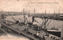 """CPA - NANTES - Vue Gale Du Port … (Cargo """"St Luc"""") - Edition F.Chapeau - Nantes"""