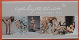 Cyclisme : Carton Publicitaire Pour Le Calendrier Cyclepassion, Pour Les Amateurs De Belles Mécaniques - Ciclismo