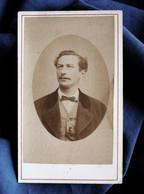 Photo CDV Mouë Au Havre  Portrait Homme Gilet à Carreaux  CA 1875 - L525 - Old (before 1900)