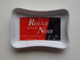 """CENDRIER APPOIGNY 89 Piano Bar Club Rétro """"Le ROUGE Et Le Noir"""" - Porcelana"""