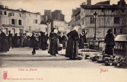 79)    NIORT     -   Scène Du   Marché - Niort