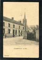 CPA - GONDREVILLE - La Poste, Animé - Altri Comuni