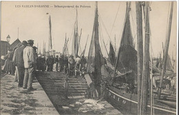 Les Sables D'Olonne : Débarquement Du Poisson - Sables D'Olonne