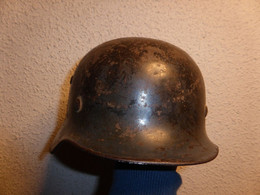 Casque Allemand Luftwaffe 1935 Dénazifié 2 Insignes - 1939-45