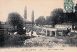 GRANDFONTAINE (Doubs) - La Source Du Ruisseau Et Le Lavoir. Circulée En 1906. Bon état. - Other Municipalities