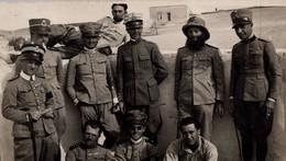 MILITARI-FOTO ORIGINALE -Africa-Gruppo Di Ufficiali Del Presidio Di Nolut-Al Verso I Nomi-6,30 X 11- - Photographs