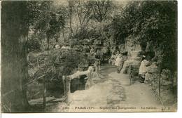 75017 PARIS - Square Des Batignolles - Des Enfants Devant La Grotte - Distretto: 17
