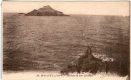 61kt 537 CPA - SAINT CAST - ROCHER EN MER AU LARGE - Saint-Cast-le-Guildo
