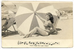 06-CANNES-CARTE PHOTO/PHOTO-Pin-up à La Plage... 1952 - Cannes