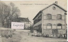 VANDONCOURT Ecole Efantine Et Mairie - Andere Gemeenten