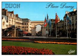 3986 Carte Postale DIJON  Place Darcy  Et La Porte Guillaume ( Drapeaux Europe) 21 Côte D'Or - Dijon