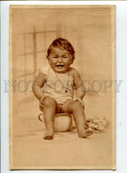 3097331 Girl In Nighty On POT Vintage PHOTO PC - Neonati