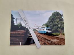 SNCF : Photo Originale L THOMAS : Autorail X 2875 à Négrondes (24) En 1999 - Treinen