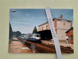 SNCF : Photo Originale L THOMAS : Autorail X 2869 à Régny (42) En 1997 - Trains