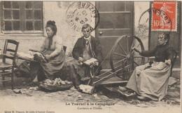 CPA   LE TRAVAIL A LA CAMPAGNE  CARDEURS ET FILEUSE   CLICHE M PLAGNES ST CHELY D APCHER - Andere Gemeenten