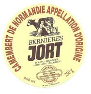 ETIQUETTE De FROMAGE.. CAMEMBERT De NORMANDIE.. Bernières JORT.. B & PH. LEBOUCHER à JORT ( Calvados 14) - Käse