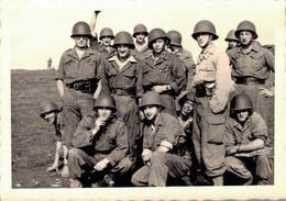 PHOTO DE DE 9 X 7 CMS REPRESENTANT UN PELOTON EN EXERCICE AVEC CASQUE LOURD REGION DE TUBINGEN - War, Military