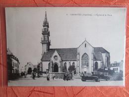 Carentec .    Eglise Et Place - Carantec