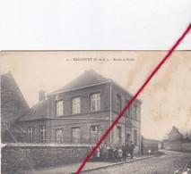 CP 62 -  HAUCOURT  -   Mairie Et Ecole    (état Moyen) - Otros Municipios