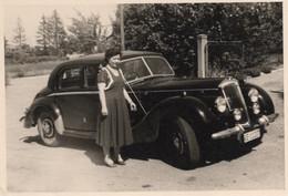 """FO--00365-- VERA FOTOGRAFIA ANNO 1949 AUTO EPOCA NON IDENTIFICATA - SUL RETRO """" GINEVRA 13-7-949 """" - Cars"""