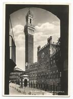 W5913 Siena - Palazzo Municipale E Torre Del Mangia / Non Viaggiata - Siena