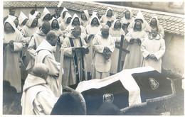 38 - Chartreuse De Valsainte - Enterrement D'un Père - Linceul Avec Tete De Morts - Otros Municipios