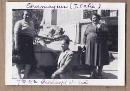 PHOTO ITALIE - COURMAYEUR - TB PLAN Personnages Devant Une Maison - 1951 - Otras Ciudades
