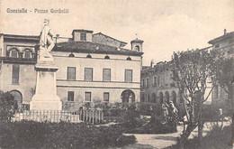 "00044 ""(RE)  GUASTALLA - PIAZZA GARIBALDI"" ANIMATA, MONUMENTO. CART ORIG SPED 1920 - Reggio Emilia"