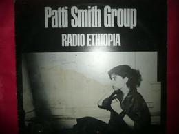 LP33 N°6837 - PATTI SMITH GROUP - RADIO ETHIOPIA - 201 117 - TOUS LES DISQUES SONT TESTES AVANT ENVOI - Rock