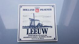 (MICRO) LEEUW From NETHERLANDS From Beer Label / Bieretiket / Bière étiquette - Bier