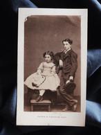 Photo CDV Mayer Et Pierson à Paris - Petite Fille Et Jeune Garçon , Trés élégants,  Second Empire Circa 1865 L526 - Oud (voor 1900)