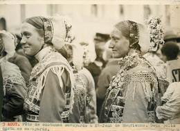 Photo De Presse - SAINT JEAN DE MAURIENNE Fetes Costumes Savoyards 3 AOUT  1930 - Luoghi