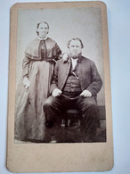 Photo CDV USA - Portrait De Famille - Couple En Pose - Circa 1860 - Dos Muet TBE - Oud (voor 1900)