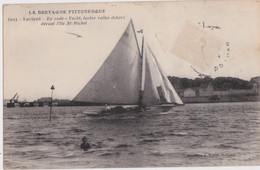 Bv - étrange Cpa LORIENT - En Rade - Yacht, Toutes Voiles Dehors Devant L'ile St Michel (avec Un Personnage Au Premier P - Lorient