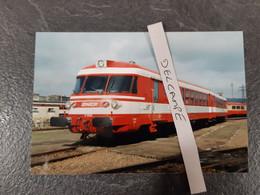 SNCF : Photo Originale L THOMAS : Autorail Astrée X 1502 à Sotteville Les Rouen (76) En 1999 - Treinen