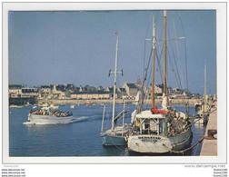 Carte ( Format 15 X 10,5 Cm ) De Roscoff  ( Le Port )( Bateau Emigrant Camaret ) ( Recto Verso ) - Roscoff