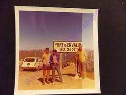 Photo Originale Amateur Aficionado Original 1970 Sortie D Andorre Port D Envalira Voiture Break - Orte