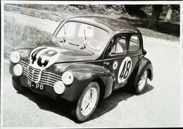 ► RENAULT 4 CV Du 24 Heures Du Mans 1951  (Reproduction)   -  Maxi Carte Constructeur  22 X 15 Cm - Le Mans