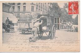 PARIS (75) Paris Vécu. Dans La Rue. Transport En Cariole - CPA Ayant Circulé. Dos Simple - - Artigianato Di Parigi