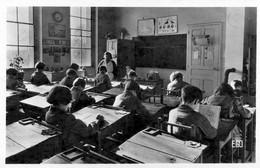 45  FLEURY LES AUBRAIS  UNE SALLE DE CLASSE  (CPSM FORMAT CPA) - Sonstige Gemeinden