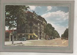 CPSM Dentellée (92) BOURG-la-REINE - Aspect De L'avenue Du Général Leclerc Dans Les Années 50 / 60 - Bourg La Reine