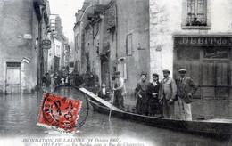 45   ORLEANS  INONDATIONS 1907  EN BATEAU DANS LA RUE DES CHARRETIERS - Orleans