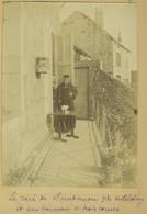 Le Curé De Sombernon (Côte-d'Or) Près De Blaisy Et Son Taureau à Trois Cornes. Tirage 1896. - Antiche (ante 1900)