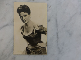 Valérie FRENCH, Belle CP Photo Vintage,  Ref 2248 ; Ref CP04 - Artistes